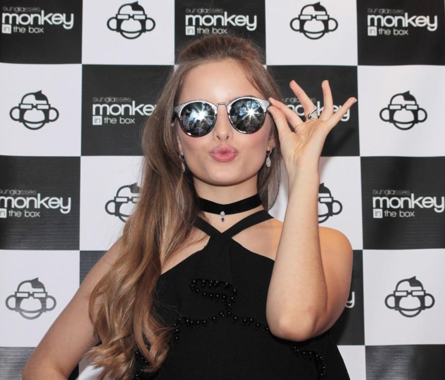 1d2c30ff6 Monkey in the Box lança coleção de óculos em parceria com a cantora  Giovanna Chaves